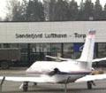 Flyplassen ble evakuert i et drøyt kvarter på grunn av bombemistanken.