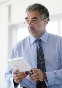 Sjefanklager Luis Moreno Ocampo (Scanpix/AP)