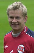 Steffen Iversen skal score mål for Wolverhampton.