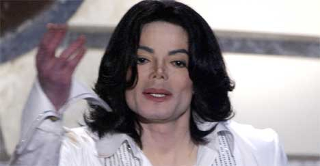 Michael Jackson er ikke begeistret for at folk fengsles for ulovlig nedlasting av musikk. Foto: Lucy Nicolson / Reuters.