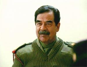 KRIGSFANGE: Eks-diktatoren har blitt erklært som krigsfange av USA. (Foto: AP/Scanpix)