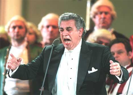 Plácido Domingo fikk pris for lang og tro tjeneste. Foto: Mikhail Metzel / Ap