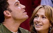 """Det vordende og svært så omtalte brudeparet Ben Affleck og Jennifer Lopez har floppet med filmen """"Gigli"""" i USA."""