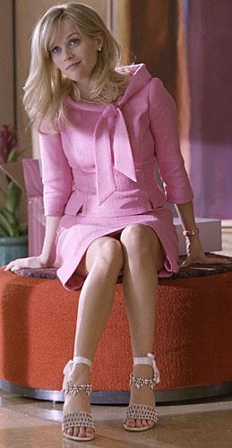 Reese Witherspoon er tilbake som blonde og konstant rosekledde Elle Woods (Foto: Fox)
