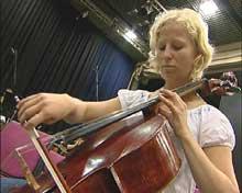 Anna Carlson er med i Ungdomssymfonikerne for første gang.