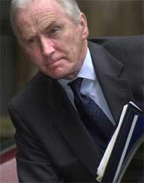 Lord Huttons rapport er ikke nok til å felle Blair. (Foto: Scanpix/AP)