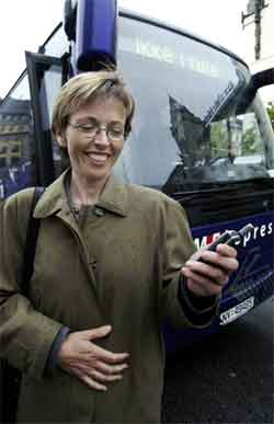 Samferdselsminister Torhild Skogsholm (V) møter motbør for planene om å flytte luftfartstilsynet til Bodø.