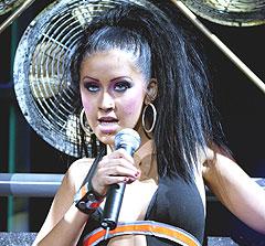 Christina Aguilera og Timberlakes plateselskap lover at de med billetter skal få valutta for pengene til slutt.... Foto: AP Photo / Kevork Djansezian.