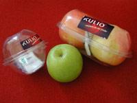 Kulio-epler er pakket inn i plast. Det følger også med en serviett, noe som inntil nå har vært komplett umulig å få tak i på kiosker og bensinstasjoner. Servietten er selvfølgelig også plastinnpakket.