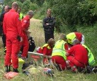 Ambulansepersonell kom raskt til stedet. (Foto Tor Keiser)