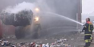 Det var stor røykutvikling under brannen på Løbergsmoen inatt.