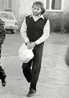 Arkivbilde av den svenske storforbryteren Clark Olofsson som ble pågrepet av norsk politi ved Rasta på Lørenskog 26. juli 1996. (Foto: Scanpix)