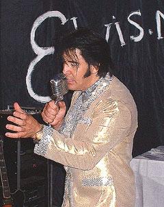 Kjell Elvis Bjørnestad er ikke lenger innehaver av Elvis-rekorden. Foto: Gunnar Kleiberg, NRK Sørlandet.