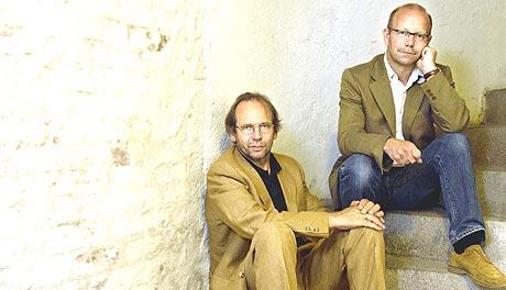 Ole Paus og Jonas Fjeld kommer til Drammens Teater fredag.