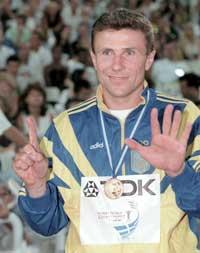 Sergej Bubka vant historiens seks første VM-gull. (Foto: AP/Scanpix)
