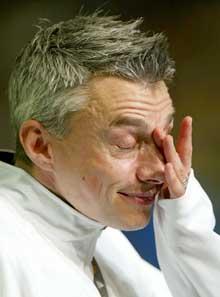 Jonathan Edwards tørket en tåre etter at karrieren var over. (Foto: Reuters/Scanpix)
