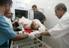 En av de to drepte Hamas-aktivistene på et likhus i Gaza. (Foto: AFP/Scanpix)