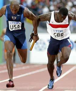 Joshua Johnson avsluttet fremragende og slo britenes Dwain Chambers med to hundredeler. (Foto: Reuters)