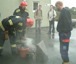 Brannvesenet fikk raskt kontroll over brannen. Foto:John Birger Våge