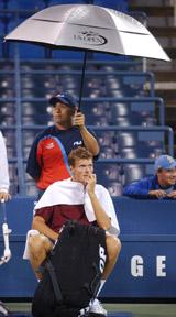 Et helt vanlig syn i årets US Open (Foto: Bill Kostroun/AP)