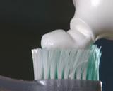 Hvorfor kjøper vi en type tannkrem vi egentlig ikke hadde tenkt å kjøpe? Foto: NRK Puls
