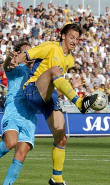 Zlatan Ibrahimovic i aksjon mot San Marino. (Foto: Anders Wejrot / SCANPIX)