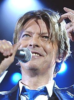 David Bowie er klar for comback etter hjerteanfall i fjor. Foto: AP Photo/PA, Myung Jung Kim, File.