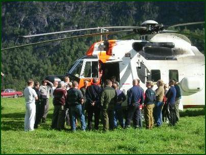 Helikoptermannskap, politi, Norsk Folkehjelp og frivillige snakker ut om den tragiske ulykken.