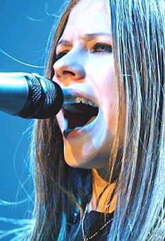 Eksklusive Avril Lavigne-sanger på ny nedlastings-tjeneste fra Virgin. Foto: AP Photo / Keystone / Walter Bieri.