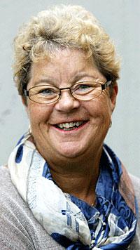 - Vi garanterer at vi skal få radiolytterne i den rette stemningen, sier Margrethe Holt som er på lufta lille juleaften i NRK P1. (Foto: Gorm Kallestad/Scanpix)