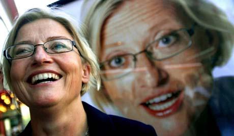 Rakrygget, engasjert, skikkelig og modig. Anna Lindh var en usedvanlig populær politiker (Foto: Scanpix).