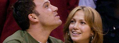 Ben og Jen på basketballkamp mens de ennå var vel forlikte (Foto: AP/Scanpix)