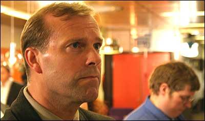 Valnatta ser dyster ut for Leikanger-ordførar Rolf Nesheim (V). (Foto: Arild Nybø, NRK)