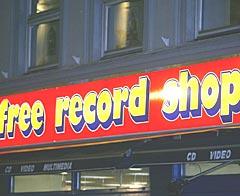 Free Record Shop er en av to store norske platebutikkjeder. Planen er å bli store på nett også. Foto: Knut Falch, Scanpix.