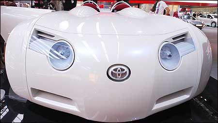 En spesiell bil fra Toyota. (Foto: Jens Meyer/AP)