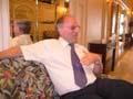 Ordfører Hans Seierstad vil høre mer om hva befolkningen mener.