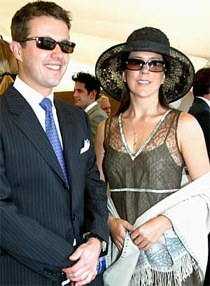 Mary Donaldson med sin utkårede, Danmarks kronprins Fredrik. (Foto: AP/Scanpix)