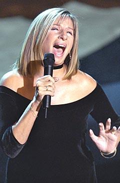 Barbra Streisand er lei av egne melodier. Foto: AP Photo / Kevork Djansezian.