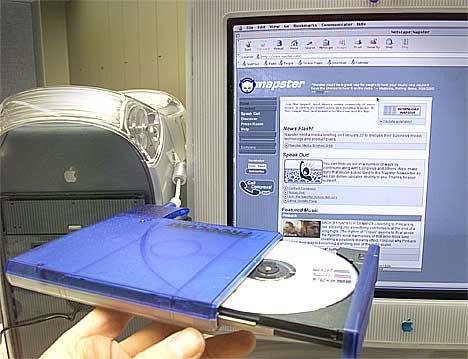 Ny undersøkelse viser at u de som driver med lovlig fildeling også kjøper mye musikk. Foto: Scanpix.