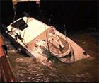Sleipner heves etter at den sank i november 1999(Arkivfoto).