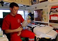 Ambulansearbeider Charles Lundberg valgte å si fra. Du møter han i Brennpunkt.