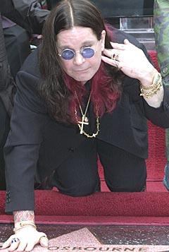 Ozzy Osbourne har ikke tenkt å legge seg helt ned riktig ennå. Foto: AP Photo / Nick Ut.