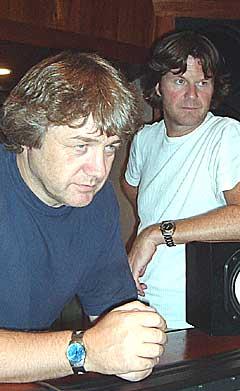 Kåre Kolve (t.h.) og Morten Huuse i Mambocompanjeros i studio på Cuba for å spille inn plate. Foto: Foto: Marit Amundsen.