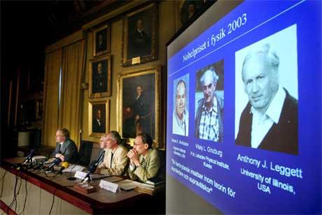 Fra kunngjøringen av de tre vinnerne av fysikkprisen(Scanpix/AFP)