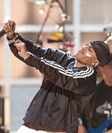 Den amerikanske rap-artisten Nelly skapte en ny trend med det såkalte Nelly-plastret. (Foto: SCANPIX /AP Photo/Joe Cavaretta)