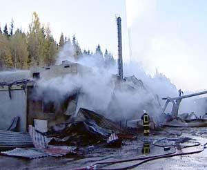Velferdsbygget på Vensvangen sag i Stange ble totalskadet i brannen.