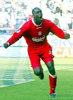 Emile Heskey jubler etter ett av sine 60 mål for Liverpool.(Foto: AP/Scanpix)