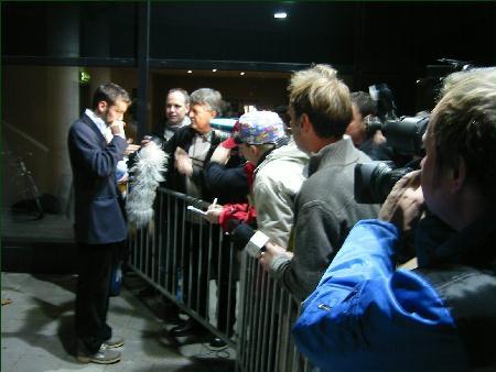 Hoseth vert intervjua etter kampen mot Leiria. I går var han Molde sin beste spelar Foto:Gunnar Sandvik