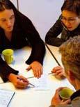 Skoleungdom vil få hjelp med leksene på ungdomshuset. (Foto:Arkiv)