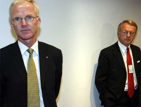Styreleder Erlend Løddesøl og konsernsjef Olav Fjell måtte gå. (Arkivfoto)
